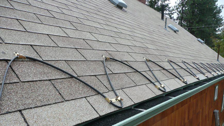 Монтаж греющего кабеля на дачном участке